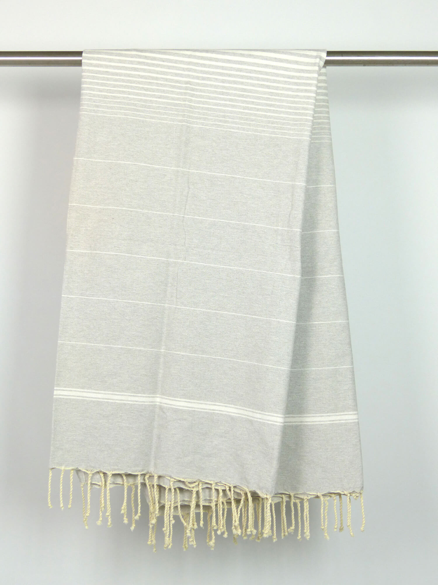 fouta tissage plat gris alu rayures blanches xl 2m x 2m per 20054. Black Bedroom Furniture Sets. Home Design Ideas