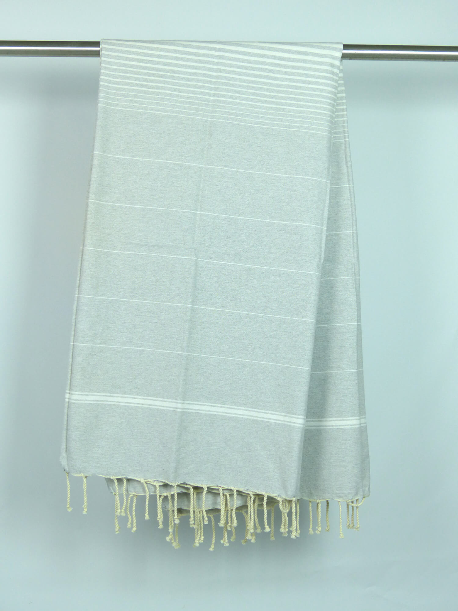 fouta tissage plat gris alu rayures blanches blanches xl 2m x 2m per 20058. Black Bedroom Furniture Sets. Home Design Ideas